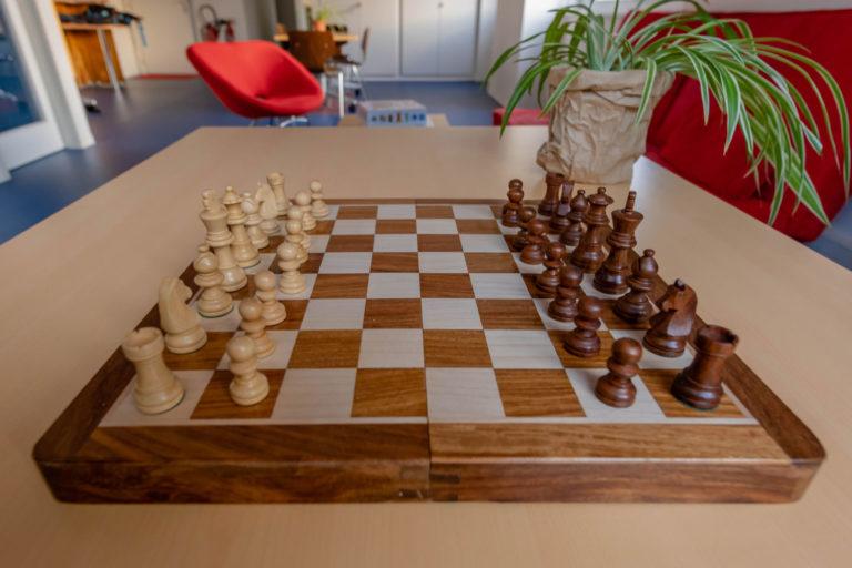 Un jeu d'échecs au GEM